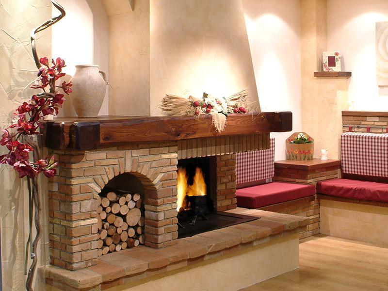 Camini Rustici In Mattoni : Caminetti carfagna camini caminetti e cucine in muratura in stile