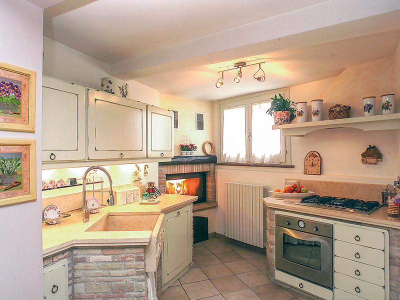 Caminetti carfagna cucine rustiche cucina azalea - Camini da esterno in muratura ...
